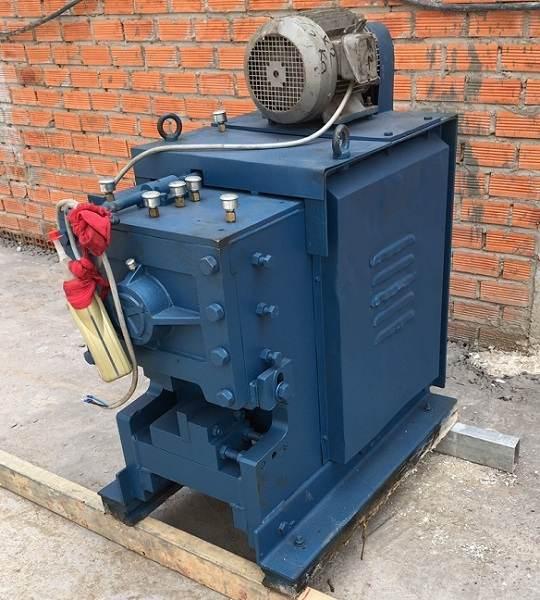 Máy cắt uốn thép công xuất 5KW
