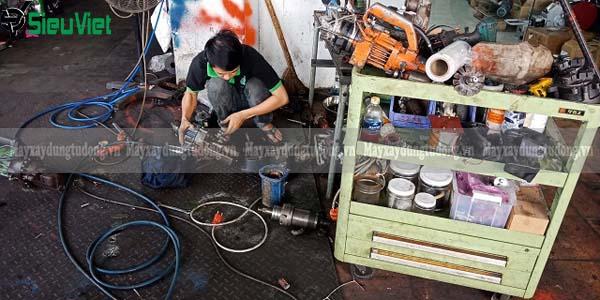 Sửa chữa máy cắt sắt thủy lực cầm tay